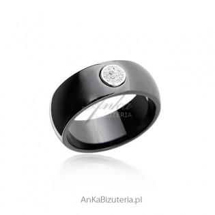 Pierścionek srebrny z czarnej ceramiki