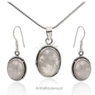 Komplet biżuteria srebrna z białym opalem