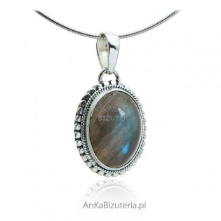 Piękna biżuteria srebrna z labradorytem