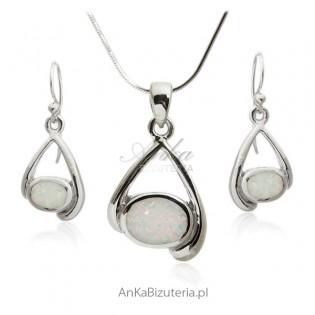 Komplet biżuteria srebrna z białym opalem Modna biżuteria