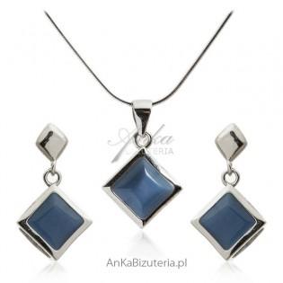 Klasyczny komplet biżuterii srebrny z granatowym uleksytem