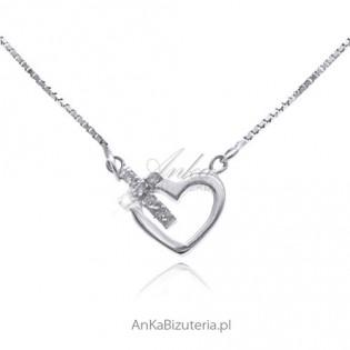 Łańcuszek srebrny z brylantowym serduszkiem