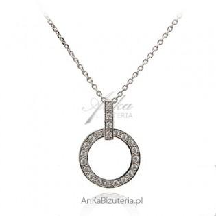 Modna biżuteria: Naszyjnik srebrny z kółeczkiem i cyrkoniami - rodowany