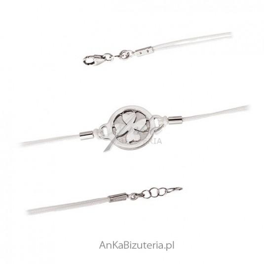 Bransoletka srebrna z koniczynką na białym sznurku