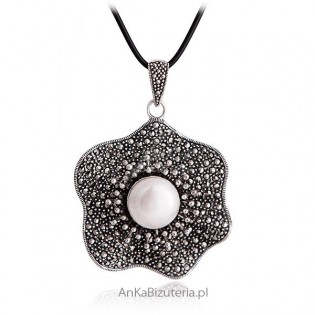 Duży wisior srebrny z markazytami Piękna biżuteria srebrna