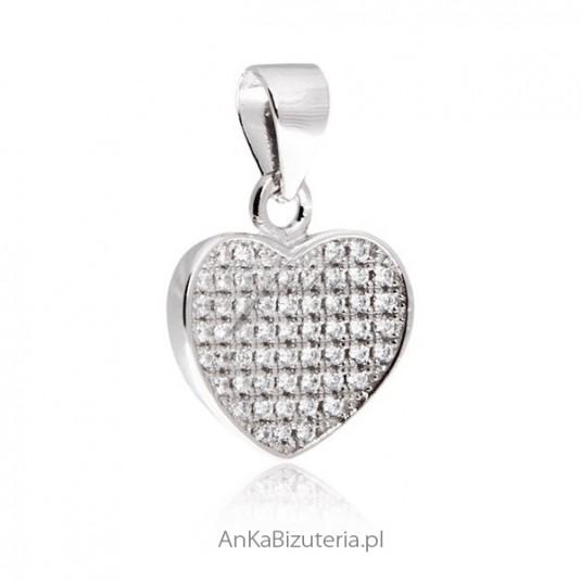 Biżuteria srebrna : Wisiorek serduszko z cyrkonią Microsetting