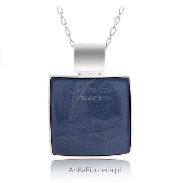 wisior srebrny z kamieniem jubilerskim