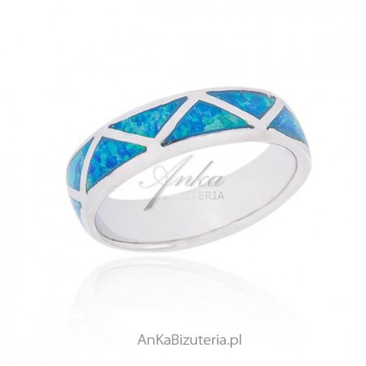 9d236dd8fde089 Biżuteria artystyczna z bursztynem Oryginalna biżuteria z bursztynuia z  opalem Wyjątkowy pierścionek srebrny z opalem