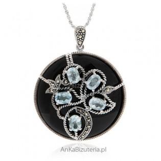 Srebrna zawieszka z niebieskim topazem i onyksem Orygianalna biżuteria