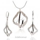 Wyjatkowy komplet biżuterii srebrnej