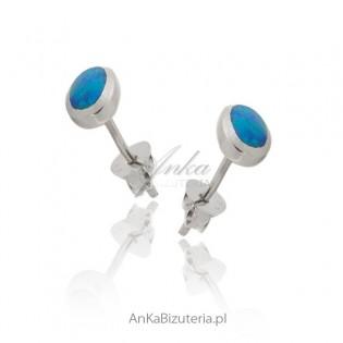 Kolczyki srebrne rodowane z niebieskim opalem-owalne