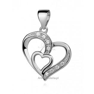 Prezent na Walentynki: Piękne serduszko srebrne dla Kobiet