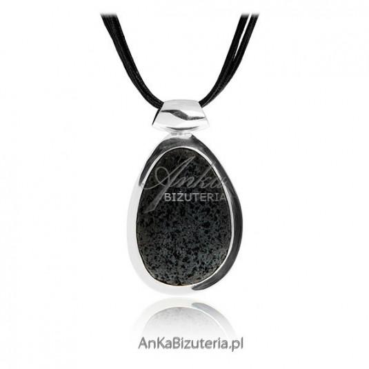 Wisior srebrny z lawy wulkanicznej