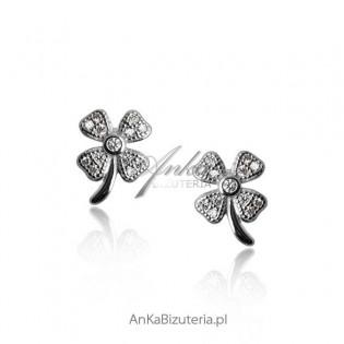 Kolczyki srebrne: Kolczyki srebrne koniczynki