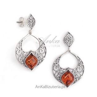 Biżuteria srebrna z bursztynem :Kolczyki srebrne