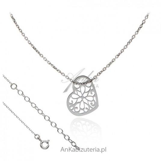 Naszyjnik celebrytek srebrny z ażurowym serduszkiem