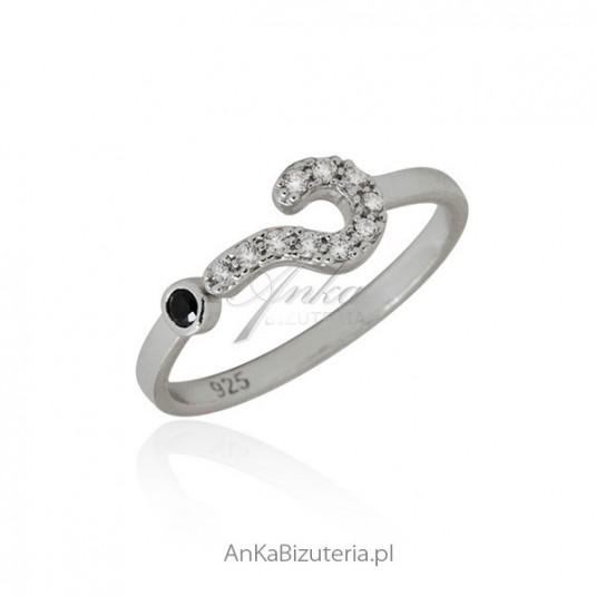 Pierścionek na pół palca Pierścionek srebrny znak zapytania