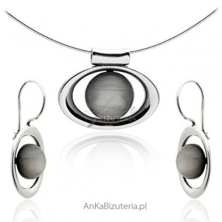 Cudny komplet biżuterii srebrnej z kamieniami