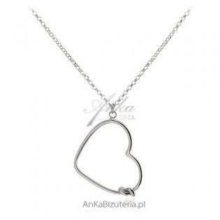Naszyjnik srebrny rodowany z dużym sercem