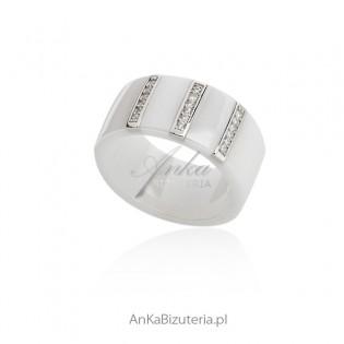 Pierścionek biała ceramika ze srebrem