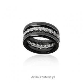 Pierścionek srebrny z czarną ceramiką i cyrkoniami Trzy razem lub oddzielnie