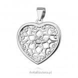 Wisiorek srebrny serduszko ażurowe z cyrkonią
