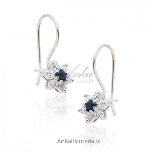 Kolczyki srebrne dziecięce szafirowe cyrkonie Kwiatki