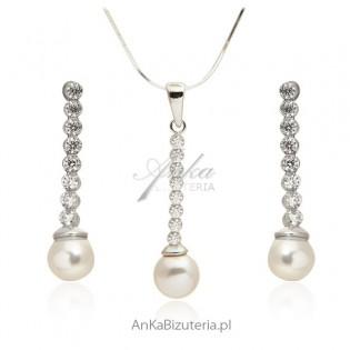 Komplet biżuterii srebrnej z perłami