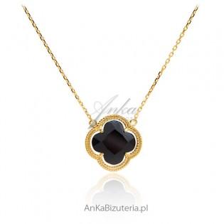 Biżuteria srebrna z czarną koniczynką