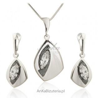 Komplet biżuterii srebrnej z cyrkonianią