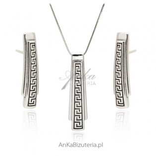 Biżuteria srebrna z greckim wzorem