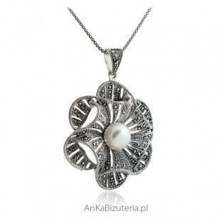 Duży wisior srebrny z markazytami i perłą