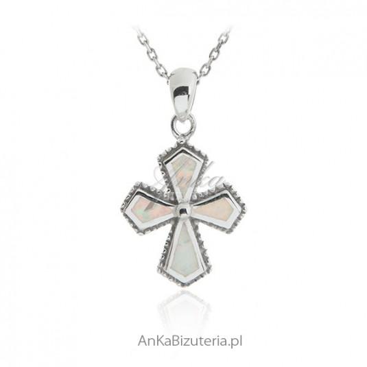 Zawieszka srebrna z opalem Krzyżyk