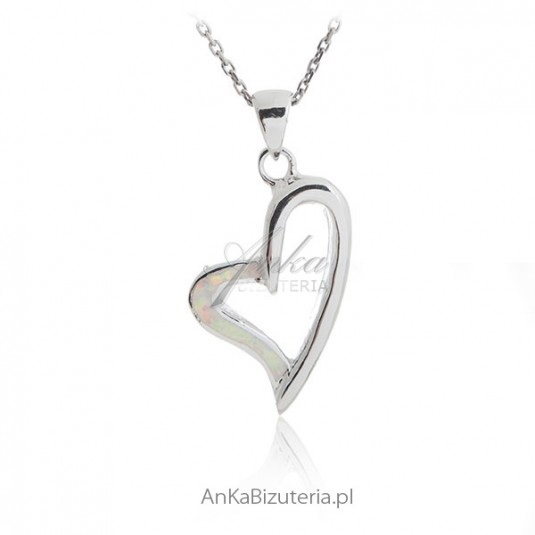 Zawieszka srebrna z białym opalem