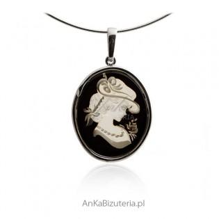 Biżuteria srebrna - zawieszka srebrna gemma z naturalnym bursztynem