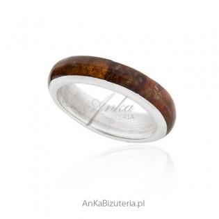 Obrączka srebrna z bursztynem: Biżuteria srebrna