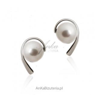 Kolczyki srebrne z białą perłą