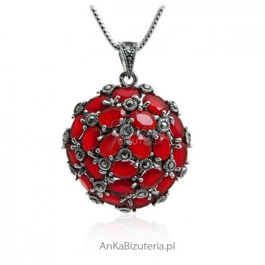 Piękna biżuteria - Zawieszka srebrna z markazytami i rubinami