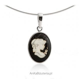 Oryginalna biżuteria srebrna z bursztynu