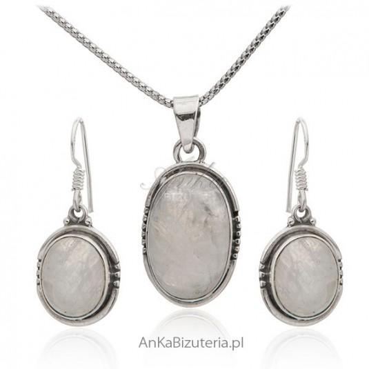 Komplet biżuterii srebrny z kamieniem księżycoym