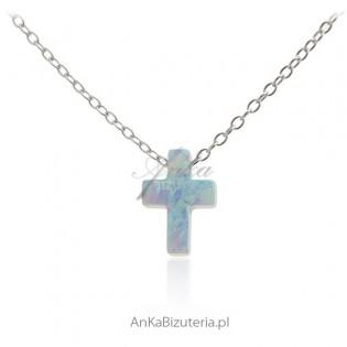 Naszyjnik srebrny z krzyżyk niebieskim opalem