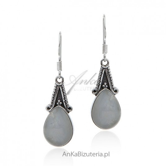 Oryginalne kolczyki srebrne z kamieniem księżycowym
