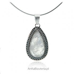 Biżuteria srebrna z kamieniem księżycowym