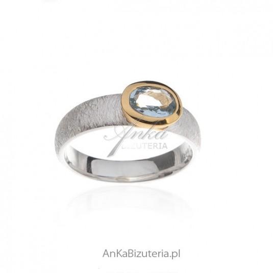 Pierścionek zaręczynowy - Pierścionek srebrny z Akwamarynem