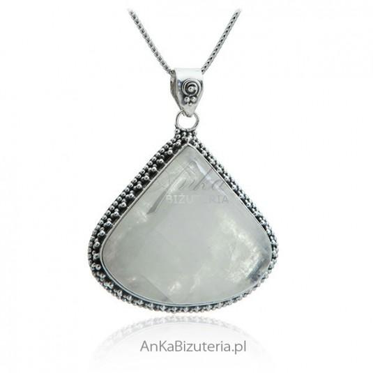 Piękna biżuteria srebrna z kamieniem księżycowym