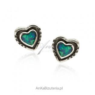 Kolczyki srebrne z niebieskim opalem Serduszka oksydowane