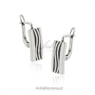 Kolczyki srebrne oksydowane Klasyczna biżuteria