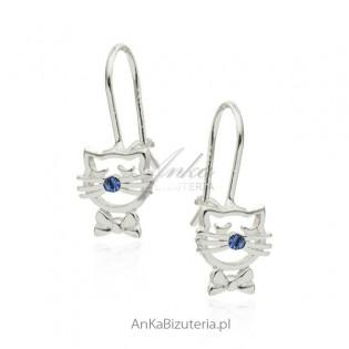 Kolczyki srebrne dziecięce kotki z niebieską cyrkonią