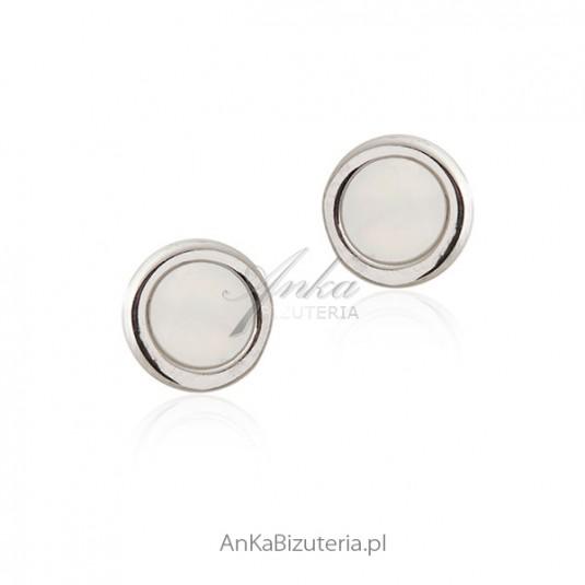 Kolczyki srebrne z białą masą perłową