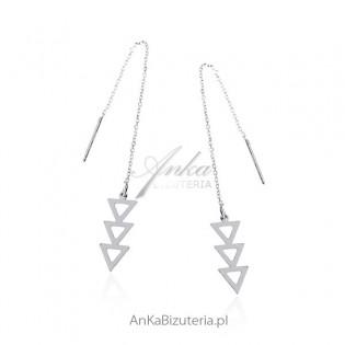Kolczyki srebrne na łańcuszku - wiszące trójkąty